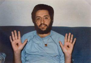 Octubre 1989 Los estigmas en las palmas de las manos un mes después de su aparición.
