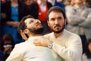 Italia - Porto S.Elpidio 1º de Noviembre 1989 Extasis de Giorgio ante miles de testigos, sostenido por su hermano Filippo Bongiovanni.