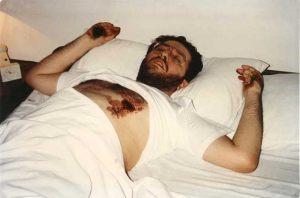 Ururguay - Montevideo 28 de Mayo 1992 Giorgio recibe el estigma del costado izquierdo en forma de Cáliz.