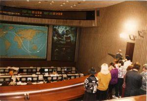 """Rusia - Moscú 12 de Octubre 1992 """"Centro de Control de Vuelos Espaciale"""" Giorgio habla en directo con los Cosmonautas de la Estación Orbital MIR."""