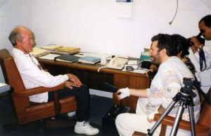 Estados Unidos - Los Angeles 20 de Noviembre 1997 Giorgio entrevista al astronauta Gordon Cooper.